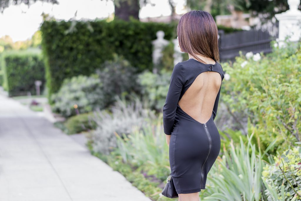 how to wear bra in a backless dress